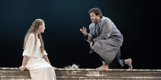 Свердловский драмтеатр покажет лучшие постановки в Красноярске