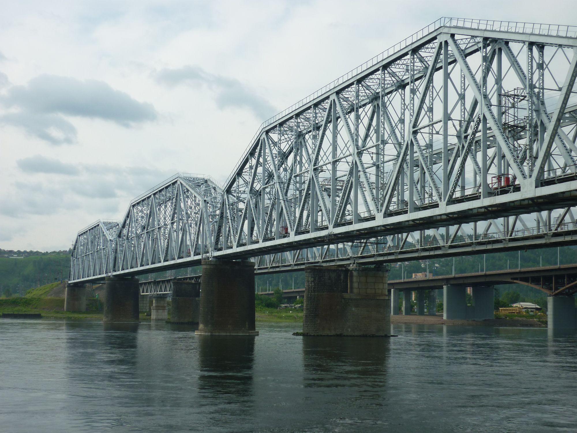 В Красноярске и Новосибирске обнаружены мосты-двойники