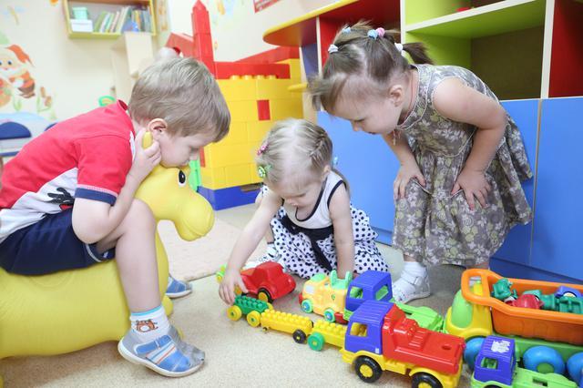 Специалисты напомнили, какой должна быть температура воздуха в школах и детских садах