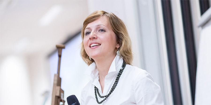 Елена Бондаренко: «Привычку быть маленьким надо изживать»