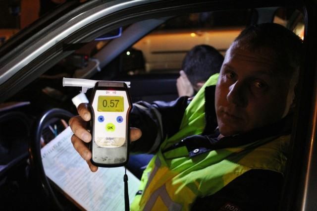 В Красноярске инспекторы ДПС проверят водителей на трезвость в середине недели